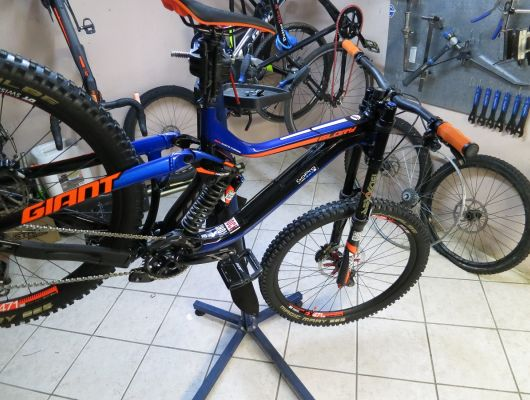 Tuning Rock Shox Boxer da molla ad aria...becoming a Word cup - Dottorbike.it Rozzano Milano