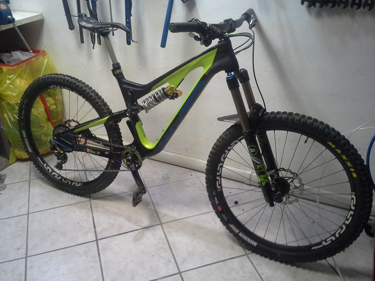 Scott Genius Lt 710 custom by Dottorbike- test Finale ligure.