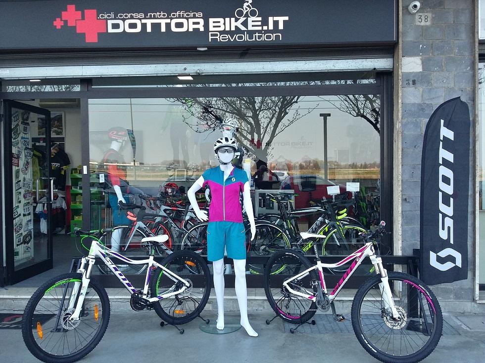 Abbigliamento- biciclette donna Scott Contessa mtb corsa-Dottorbike.it Rozzano Milano