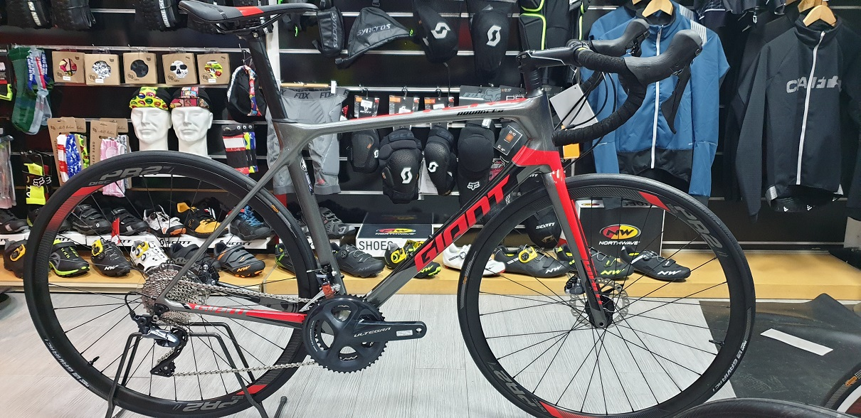 GIANT  TCR ADVANCED 1 DISC KOM (HYDRAULIC) 2019