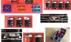 RENTHAL Attacchi Manubrio Apex e Manubri Fatbar Carbon e Alluminio, ODI Manopole Rogue Ruffian e Troy Lee, REVERSE Pedali Flat Escape